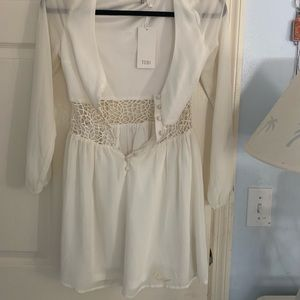 Toby white lace romper with tags